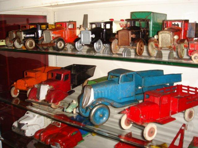 Gary Brooks Estate Auction-Toys, collectables, and More - 10815.jpg