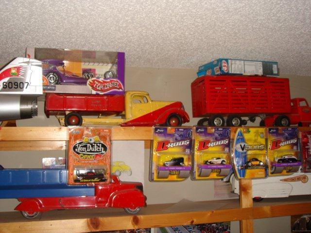 Gary Brooks Estate Auction-Toys, collectables, and More - 10830.jpg