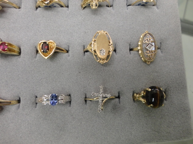 Complete Liquidation Jewelry and Furnishing Auction of Hallwoods Jewelry in our Gallery- Diamonds, Gold, Silver, Equipment, Gifts, Displays, Safe and much more - 15181.jpg