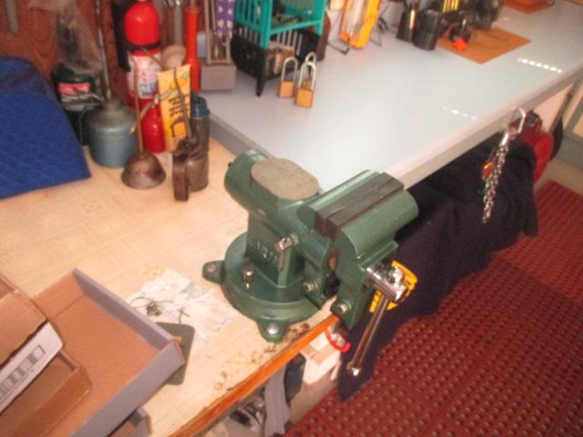 John Cole Estate Auction-Tools. Knives, Toys, Trains, Guns and More Elizabethton - IMG_2558.JPG