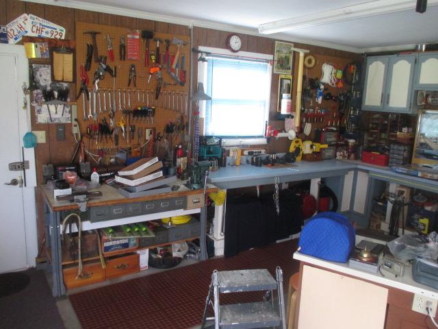 John Cole Estate Auction-Tools. Knives, Toys, Trains, Guns and More Elizabethton - IMG_2564.JPG