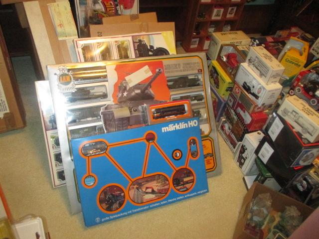 John Cole Estate Auction-Tools. Knives, Toys, Trains, Guns and More Elizabethton - IMG_2580.JPG
