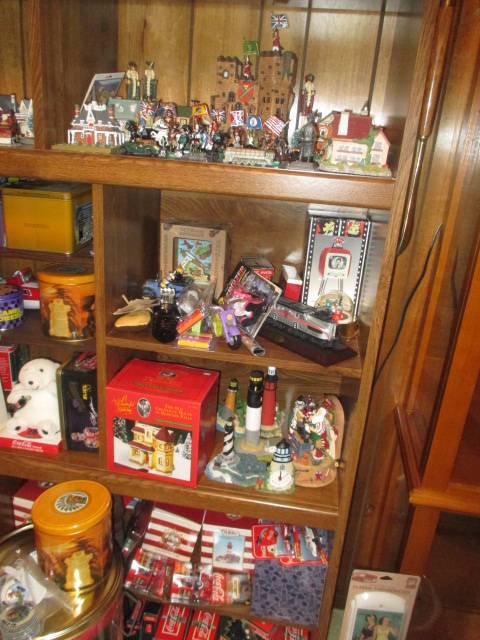 John Cole Estate Auction-Tools. Knives, Toys, Trains, Guns and More Elizabethton - IMG_2584.JPG