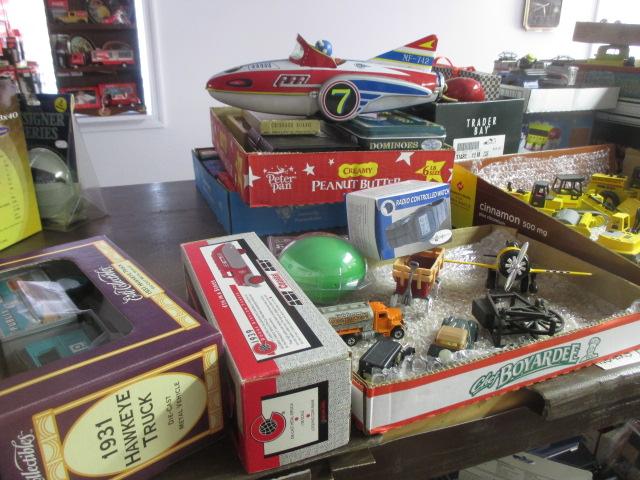 John Cole Estate Auction-Tools. Knives, Toys, Trains, Guns and More Elizabethton - IMG_2934.JPG