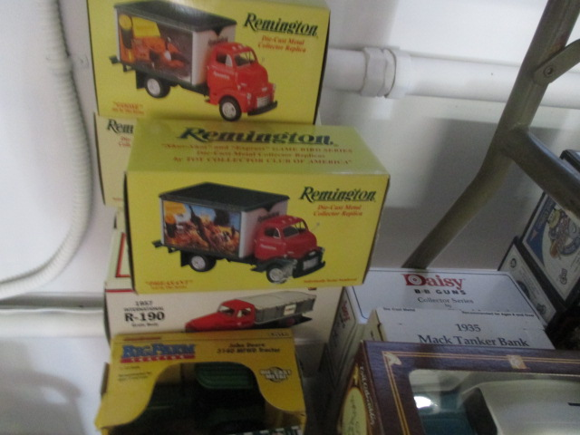 John Cole Estate Auction-Tools. Knives, Toys, Trains, Guns and More Elizabethton - IMG_2940.JPG