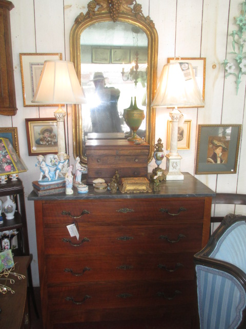 Thanksgiving Saturday Estate Auction and More - IMG_3101.JPG