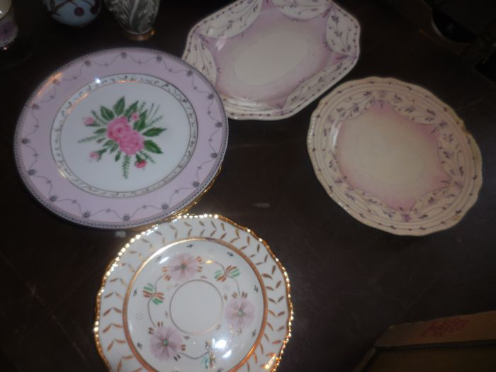 Gladys Cornelius Estate Auction Over 300 pieces of Cumbo China - DSCN2591.JPG