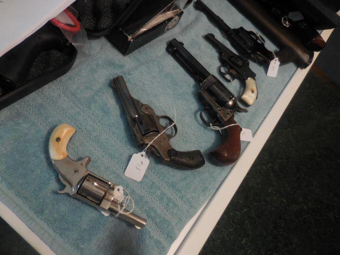Roy Carter Estate Auction- Fine pistols, Long Guns, Custom Knives, Ammo and more - DSCN2454.JPG