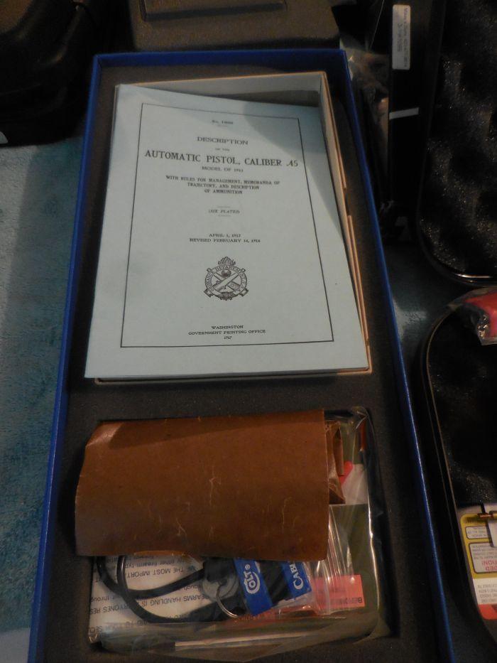 Roy Carter Estate Auction- Fine pistols, Long Guns, Custom Knives, Ammo and more - DSCN2455.JPG