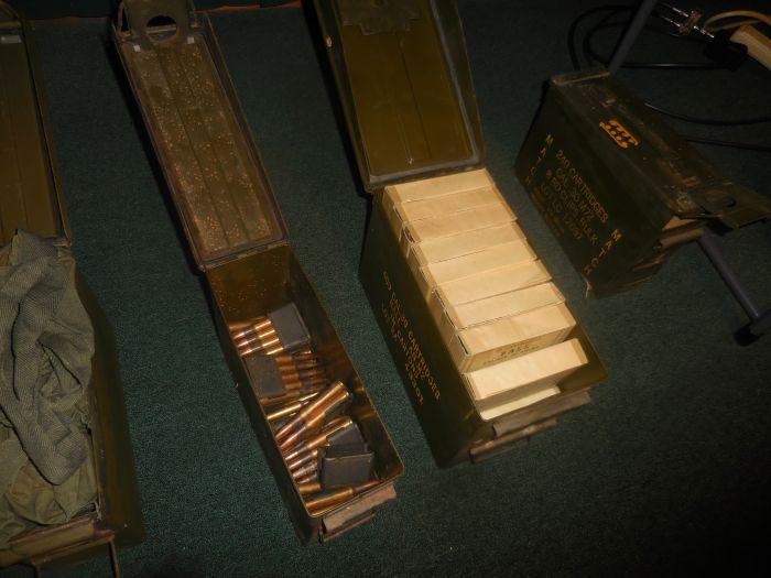 Roy Carter Estate Auction- Fine pistols, Long Guns, Custom Knives, Ammo and more - DSCN2583.JPG