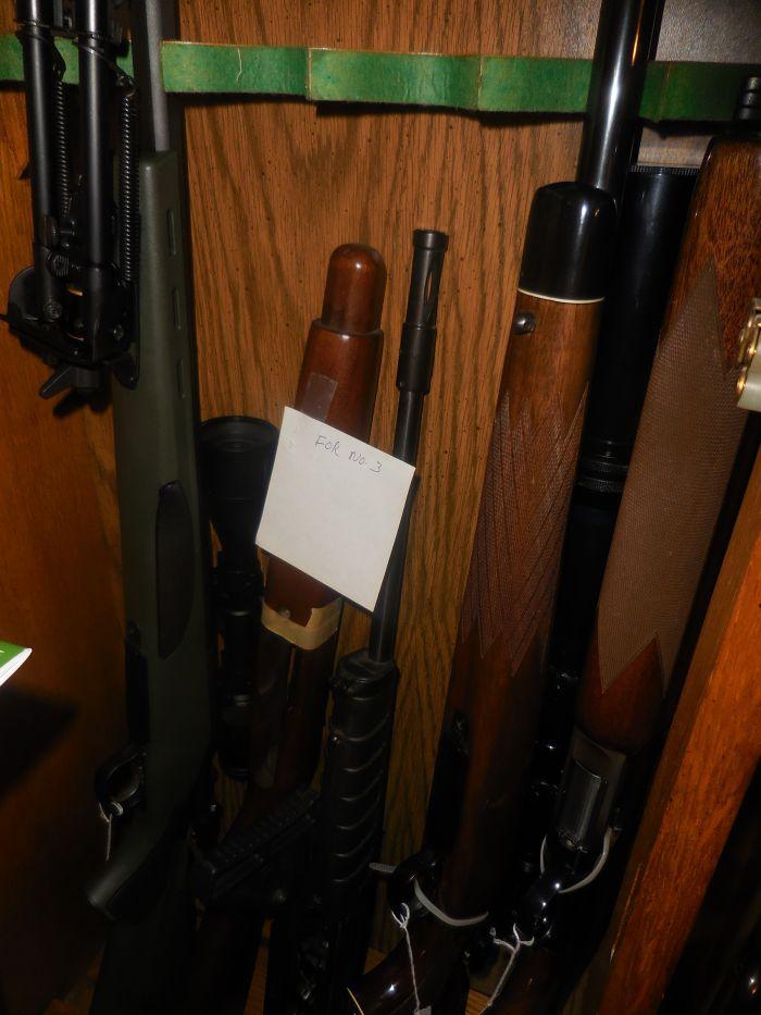 Roy Carter Estate Auction- Fine pistols, Long Guns, Custom Knives, Ammo and more - DSCN2587.JPG
