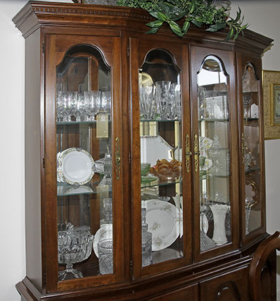 Colonel Frank and Dr. Ginger Rutherford Estate- Antiques, Clocks, Upscale Furnishing - JP_3017_LO.jpg