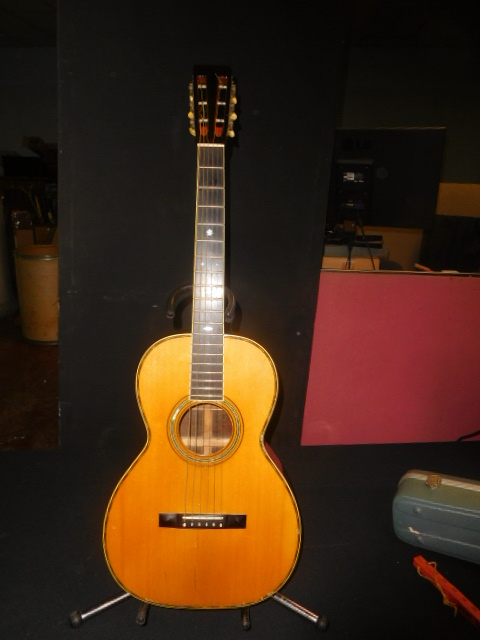 New Years Day Estates , Antique, and Martin Guitar Auction - DSCN1608.JPG