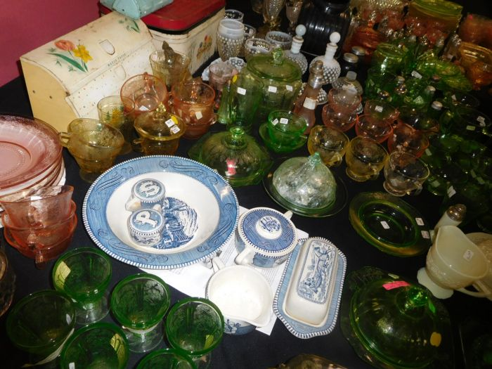California Estate plus a Lifetime Depression Glass Collection - DSCN2551.JPG