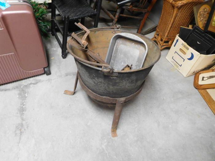 Lou M. Fox Baskett Estate  Auction  - DSCN2904.JPG