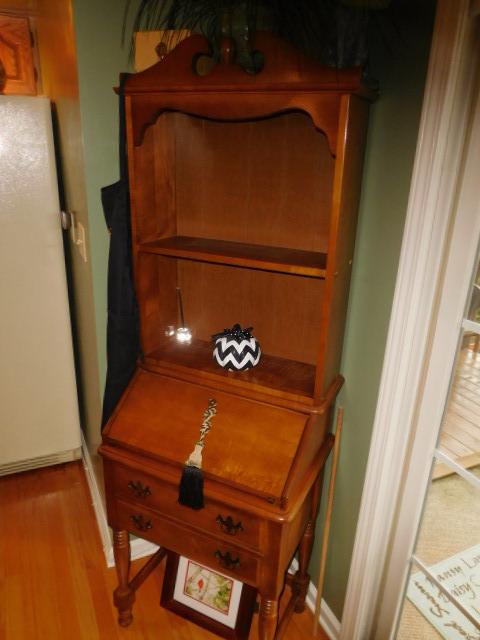 Bob Settle Estate and Regina Settle Living Estate Auction - DSCN5553.JPG