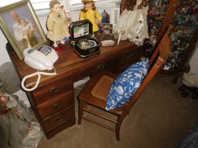 Bob Settle Estate and Regina Settle Living Estate Auction - DSCN5557.JPG