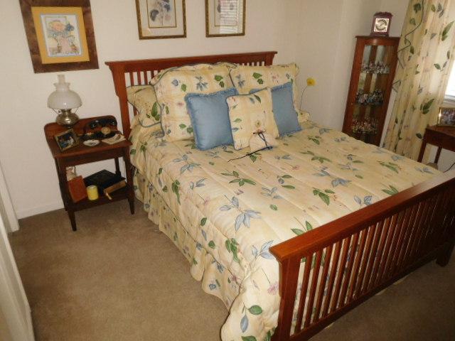 Bob Settle Estate and Regina Settle Living Estate Auction - DSCN5565.JPG
