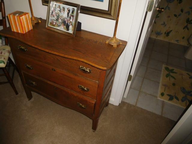 Bob Settle Estate and Regina Settle Living Estate Auction - DSCN5566.JPG