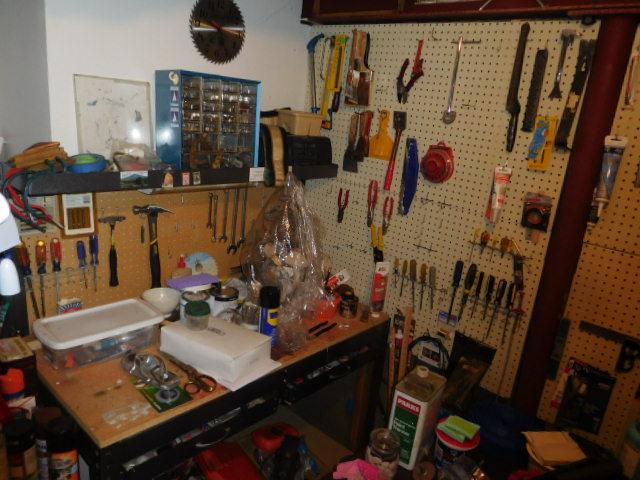 Bob Settle Estate and Regina Settle Living Estate Auction - DSCN5611.JPG