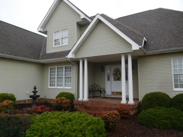 Bob Settle Estate and Regina Settle Living Estate Auction - DSCN5631.JPG