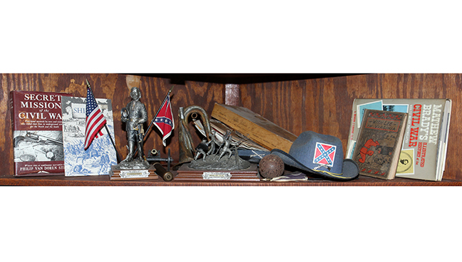 Historic Robins Roost American Queen Anne House, Antiques, Contents The Etta Mae Love Estate - 155_1.jpg