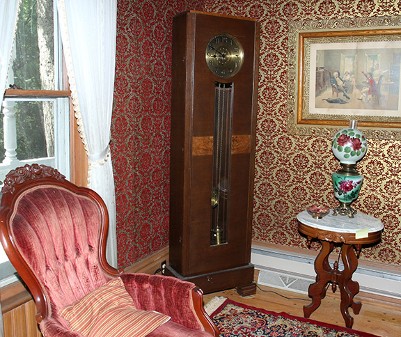 Historic Robins Roost American Queen Anne House, Antiques, Contents The Etta Mae Love Estate - JP_5335.jpg