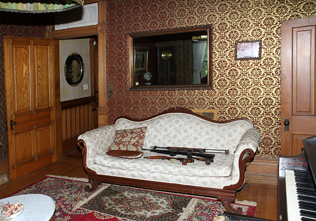 Historic Robins Roost American Queen Anne House, Antiques, Contents The Etta Mae Love Estate - JP_5344.jpg