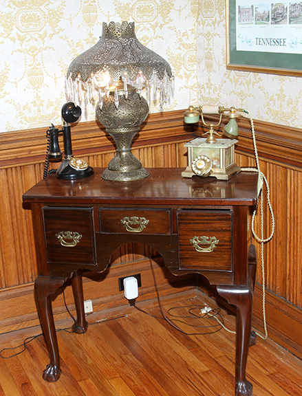 Historic Robins Roost American Queen Anne House, Antiques, Contents The Etta Mae Love Estate - JP_5347.jpg