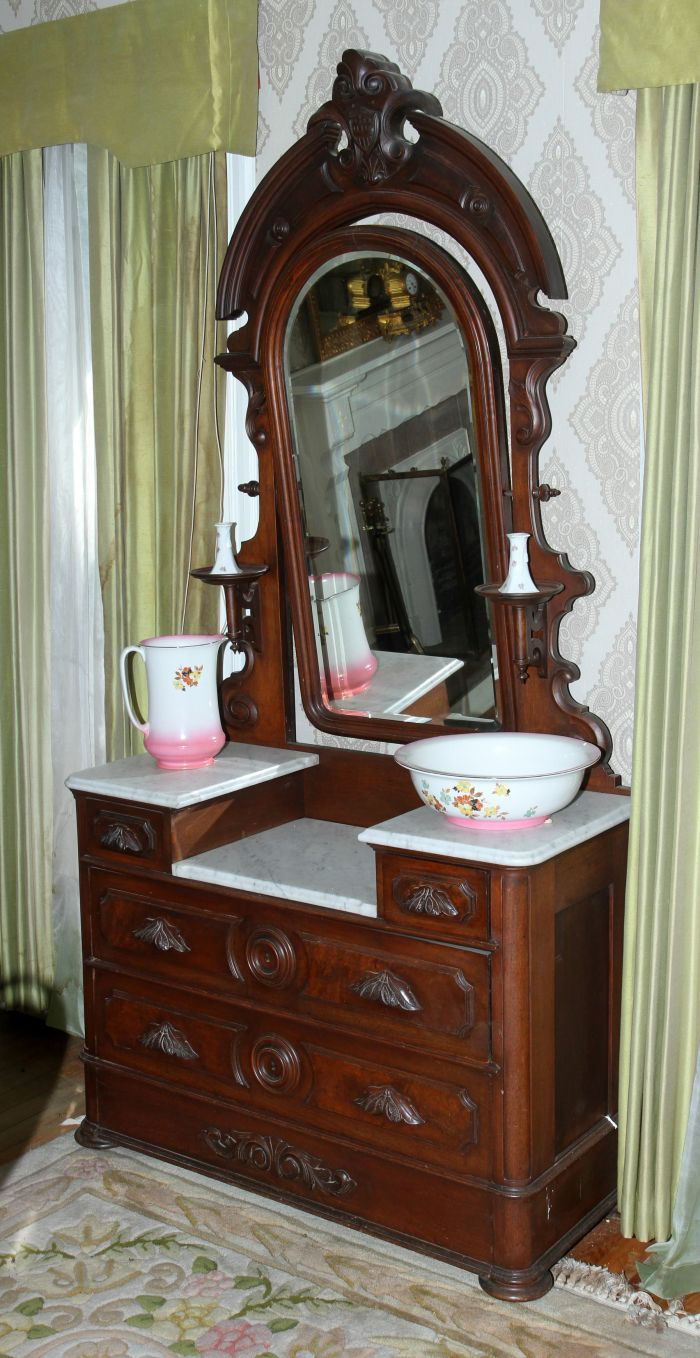 Historic Robins Roost American Queen Anne House, Antiques, Contents The Etta Mae Love Estate - JP_5359.jpg