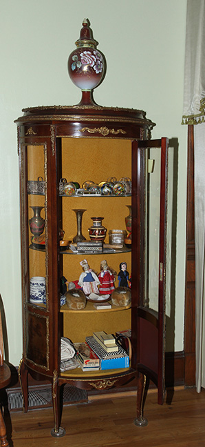 Historic Robins Roost American Queen Anne House, Antiques, Contents The Etta Mae Love Estate - JP_5399.jpg