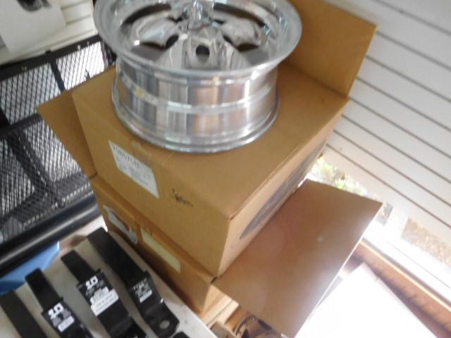 Doozy Camper Top and Automotive Surplus Auction - DSCN9644.JPG