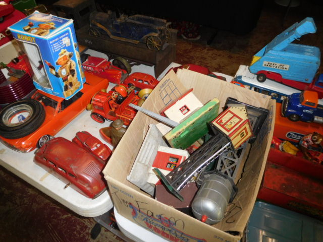 The Dave Berry Toy Auction - DSCN9733.JPG