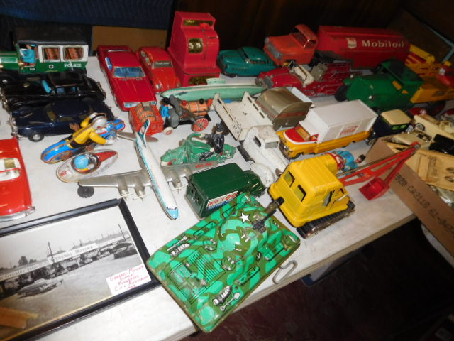 The Dave Berry Toy Auction - DSCN9745.JPG