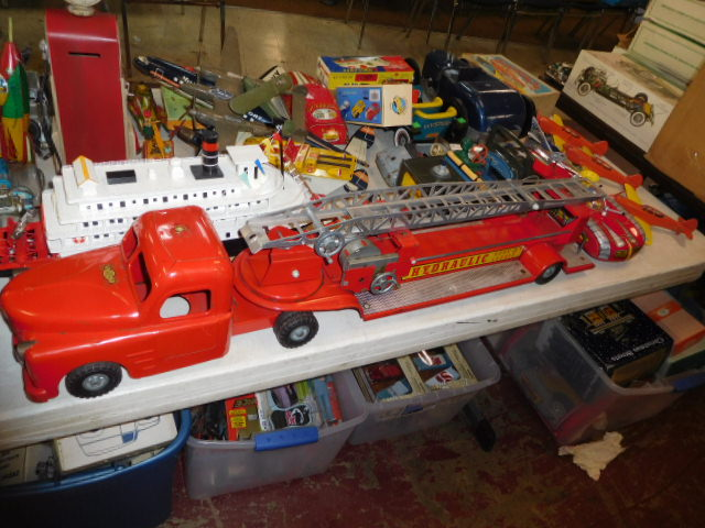 The Dave Berry Toy Auction - DSCN9764.JPG