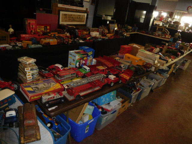 The Dave Berry Toy Auction - DSCN9803.JPG