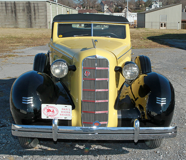 David Berry Estate Auction New Years Day-1935 LaSalle, 1936 Ford, Mascots, Antique Pharmacy items and more - 6093.jpg