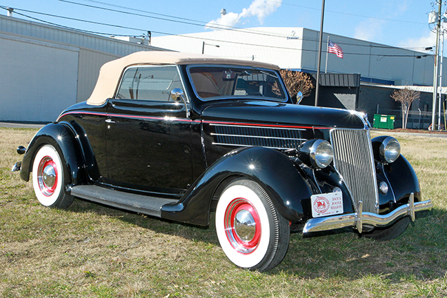 David Berry Estate Auction New Years Day-1935 LaSalle, 1936 Ford, Mascots, Antique Pharmacy items and more - 6098.jpg