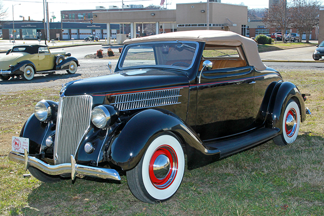 David Berry Estate Auction New Years Day-1935 LaSalle, 1936 Ford, Mascots, Antique Pharmacy items and more - 6101.jpg