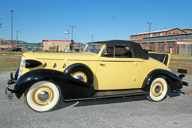 David Berry Estate Auction New Years Day-1935 LaSalle, 1936 Ford, Mascots, Antique Pharmacy items and more - 6111.jpg
