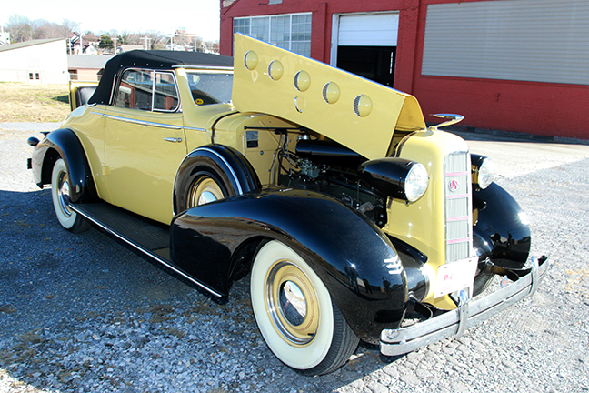 David Berry Estate Auction New Years Day-1935 LaSalle, 1936 Ford, Mascots, Antique Pharmacy items and more - 6114.jpg