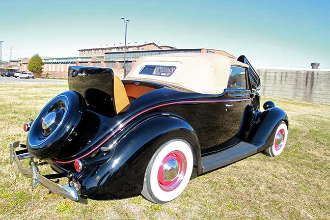 David Berry Estate Auction New Years Day-1935 LaSalle, 1936 Ford, Mascots, Antique Pharmacy items and more - 6131.jpg