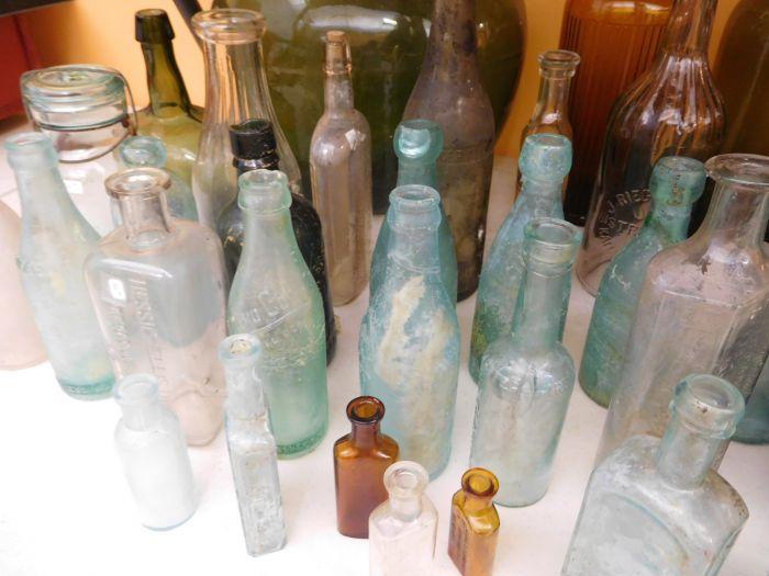 Ralph Van Brocklin Estate- Bottles- Post and Trade cards--Mini Jugs and other advertising - DSCN9645.JPG