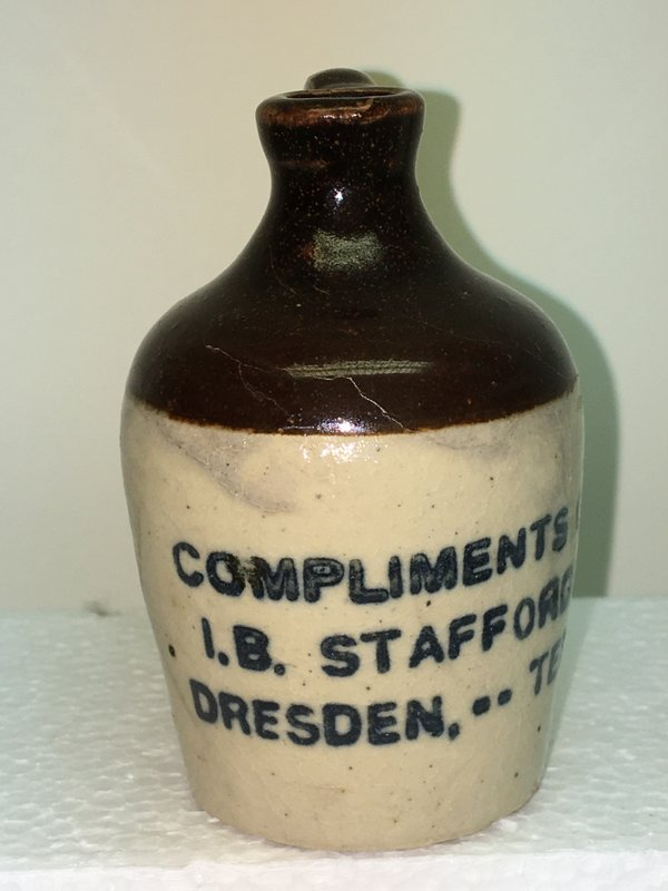 Ralph Van Brocklin Estate- Bottles- Post and Trade cards--Mini Jugs and other advertising - IMG_2667.JPG