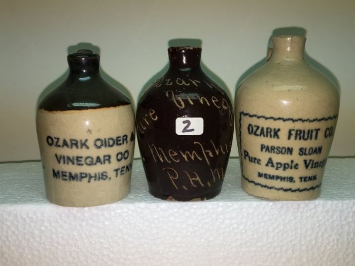 Ralph Van Brocklin Estate- Bottles- Post and Trade cards--Mini Jugs and other advertising - IMG_2769.JPG