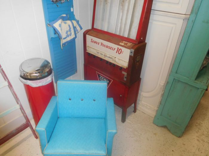 Great collection of Furniture, Country store and Great smalls - DSCN9927.JPG