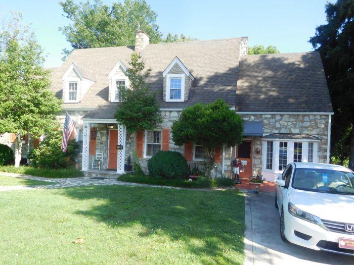 Roger Babb Living Estate Auction  - DSCN0044.JPG