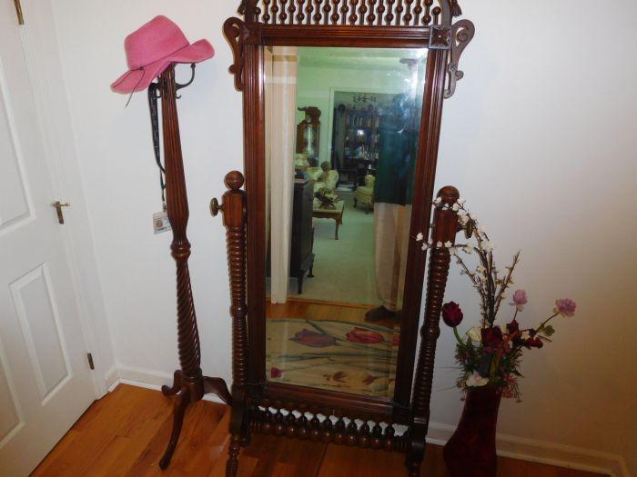 Sonja Fox Estate Auction - DSCN9653.JPG
