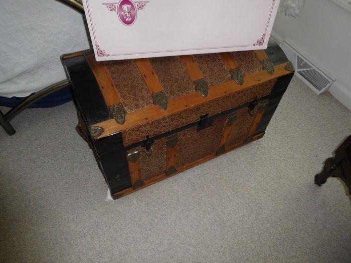 Sonja Fox Estate Auction - DSCN9664.JPG