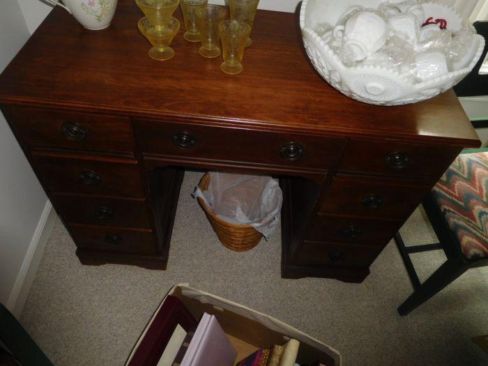 Sonja Fox Estate Auction - DSCN9677.JPG
